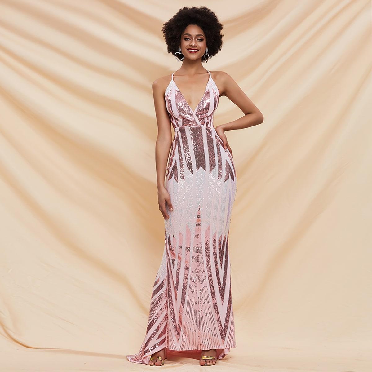 Платье с открытой спинкой и блестками фото