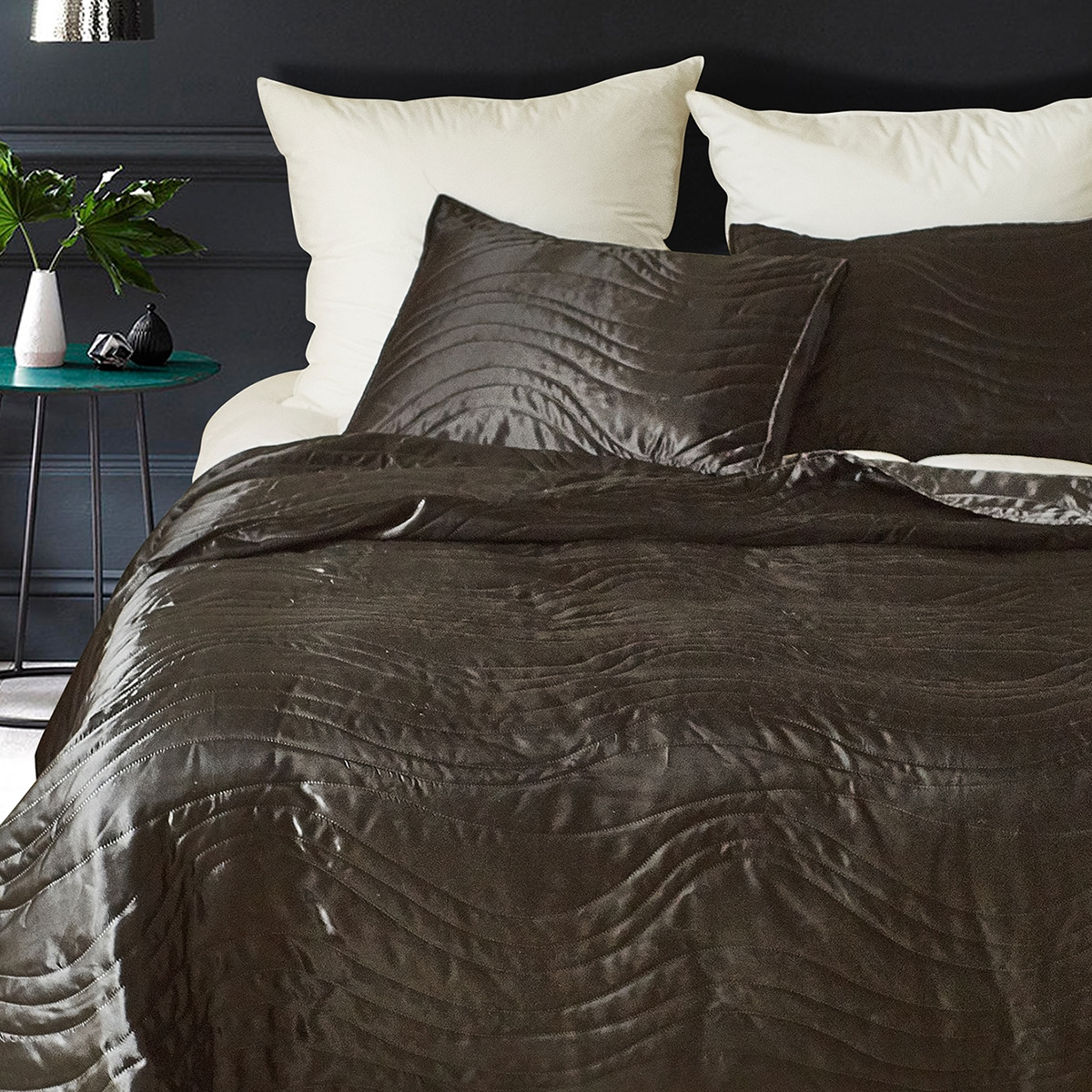Wave Pattern Bedspread Set