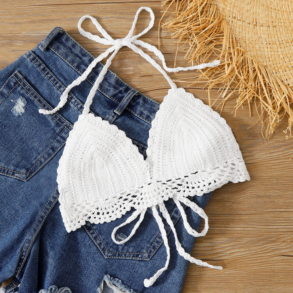 SHEIN / Top bikini triángulo en abanico de croché