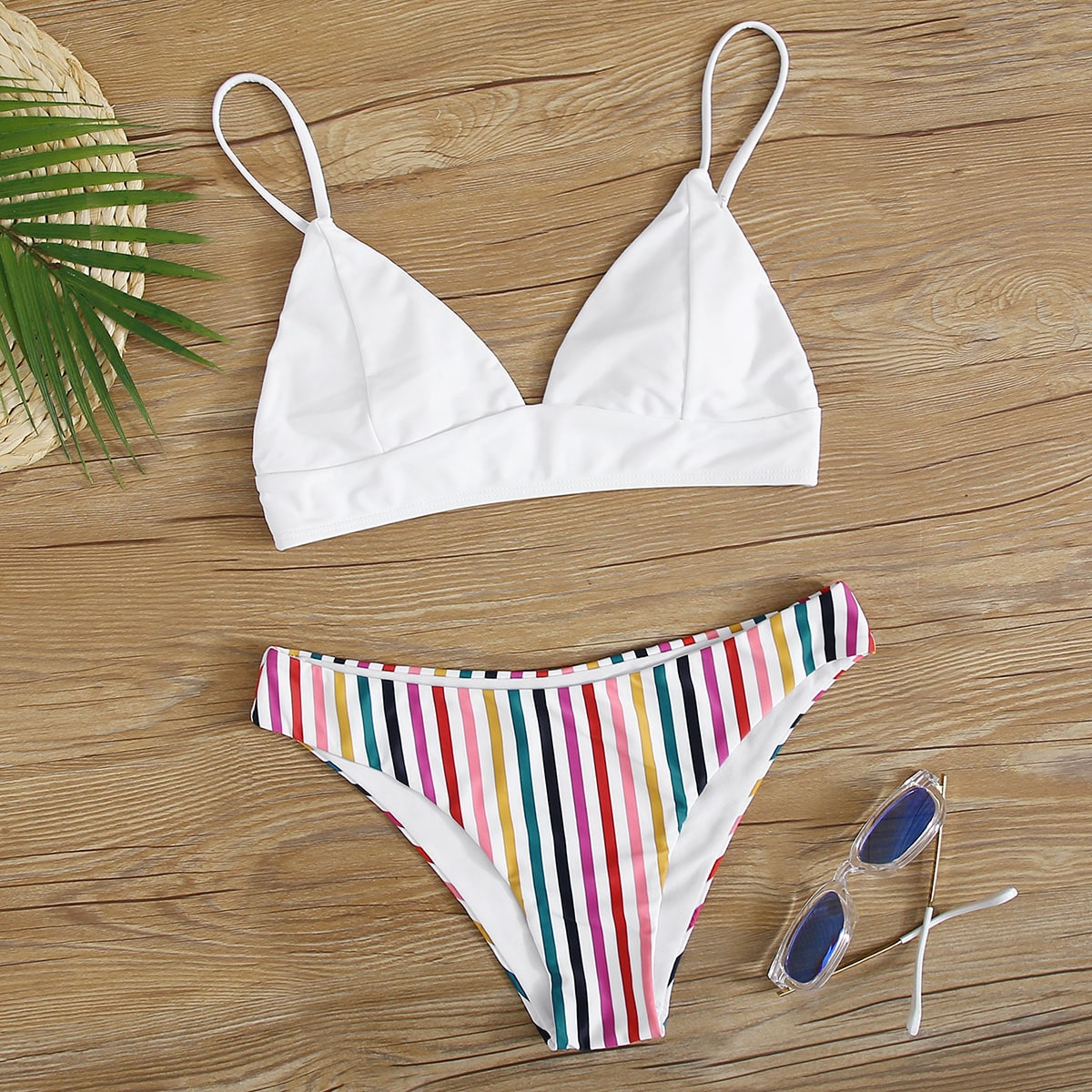 SHEIN / Dreieckige Bikini Badekleidung mit Regenbogen Streifen