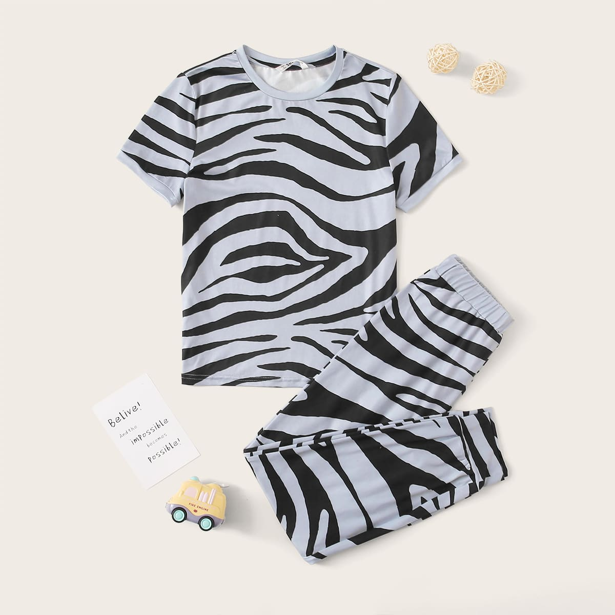 Пижама в полоску зебры для мальчиков от SHEIN