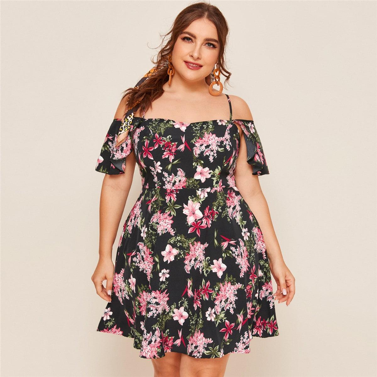 Цветочное платье с открытыми плечами размера плюс