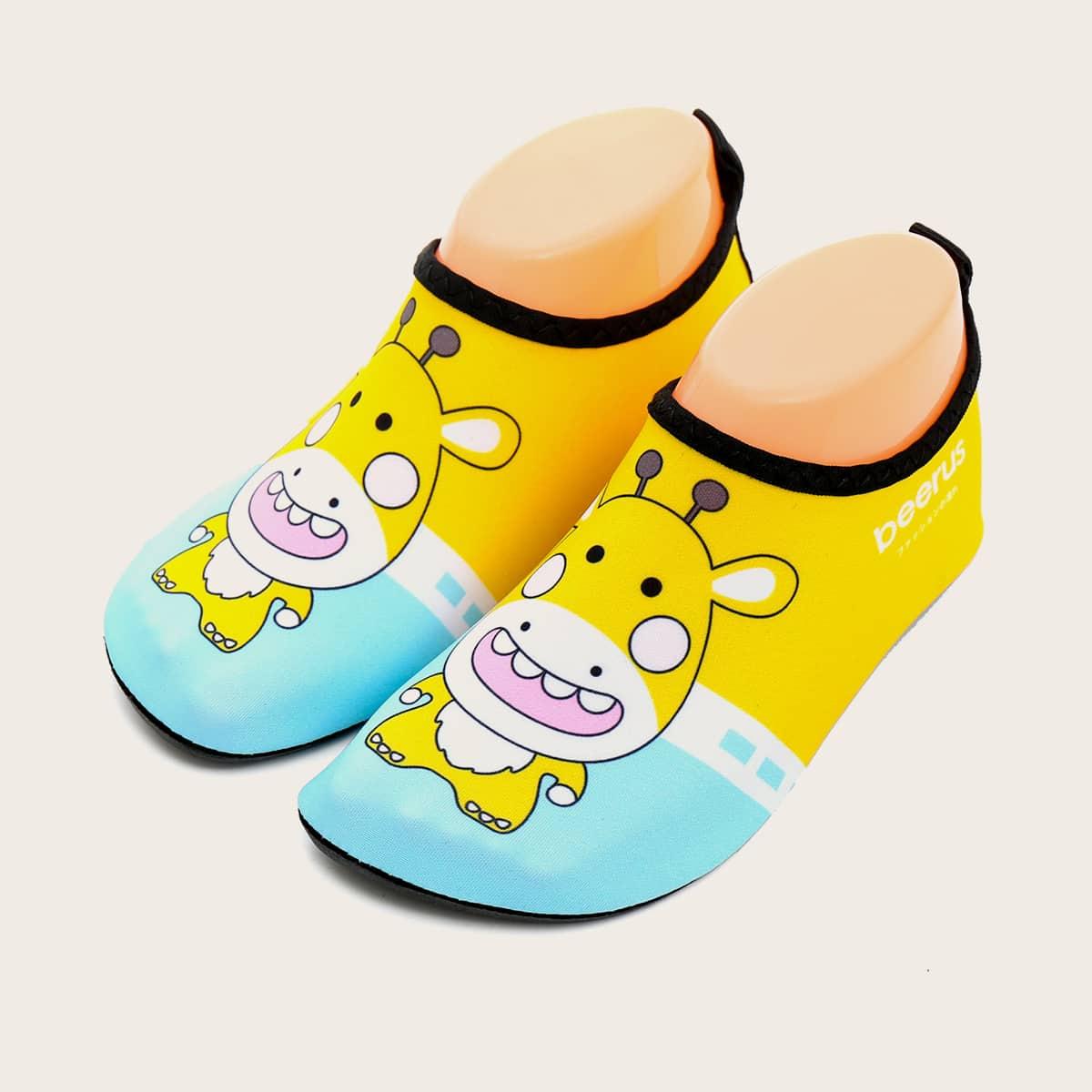 Водные туфли с мультяшным принтом для мальчиков от SHEIN