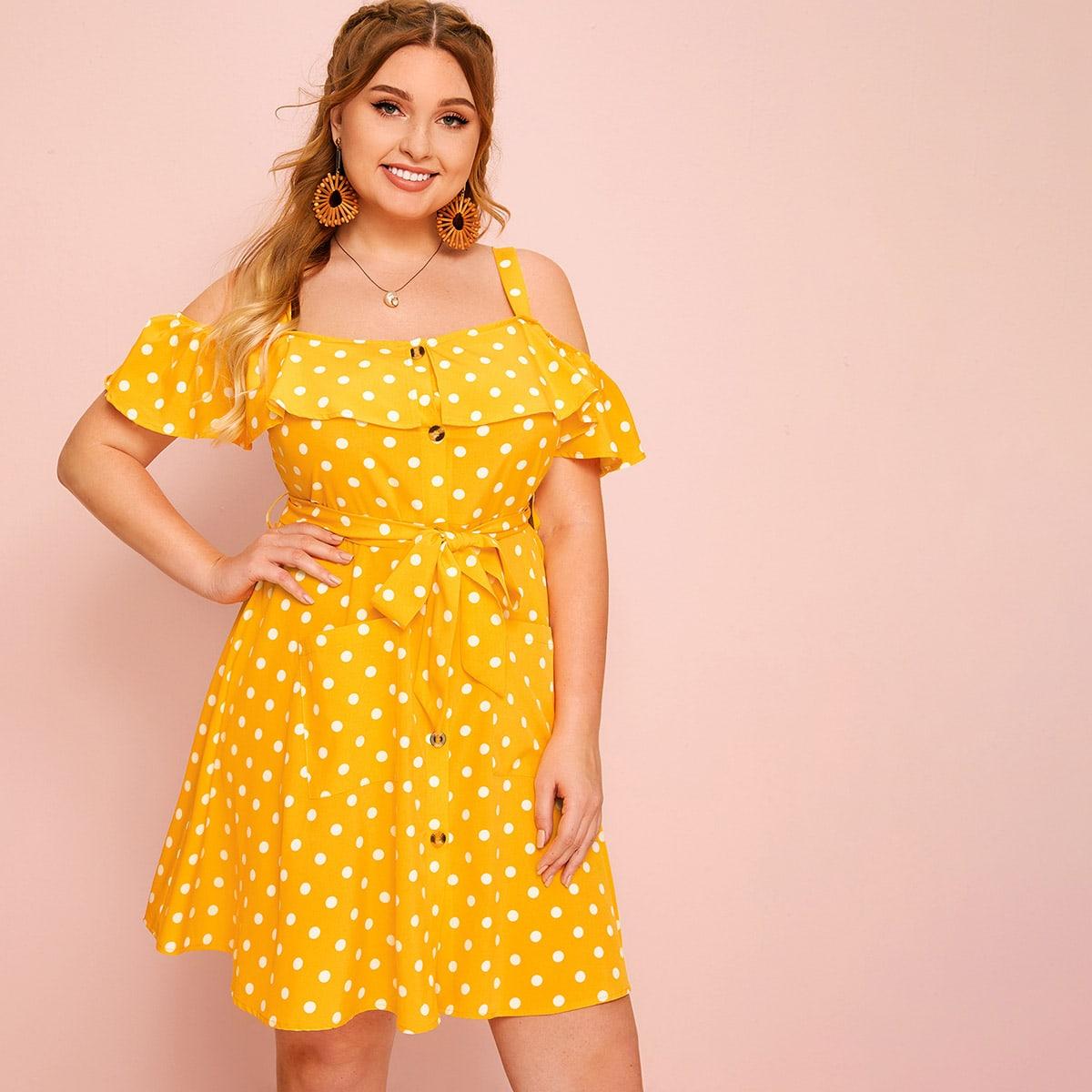 Платье в горошек с открытыми плечами размера плюс