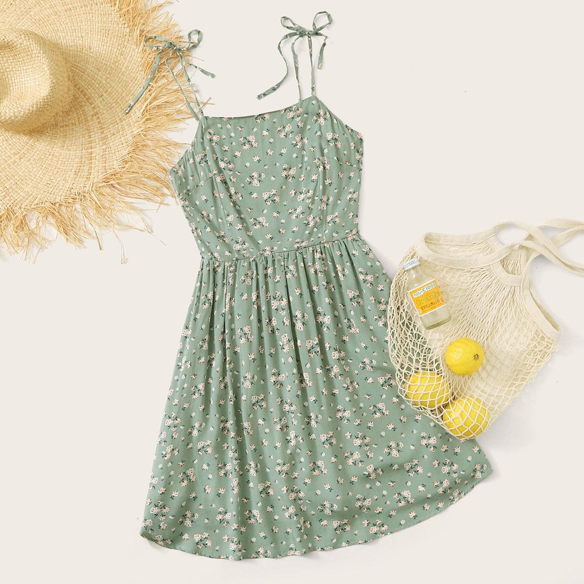 Цветочное платье на бретелях с узлом фото