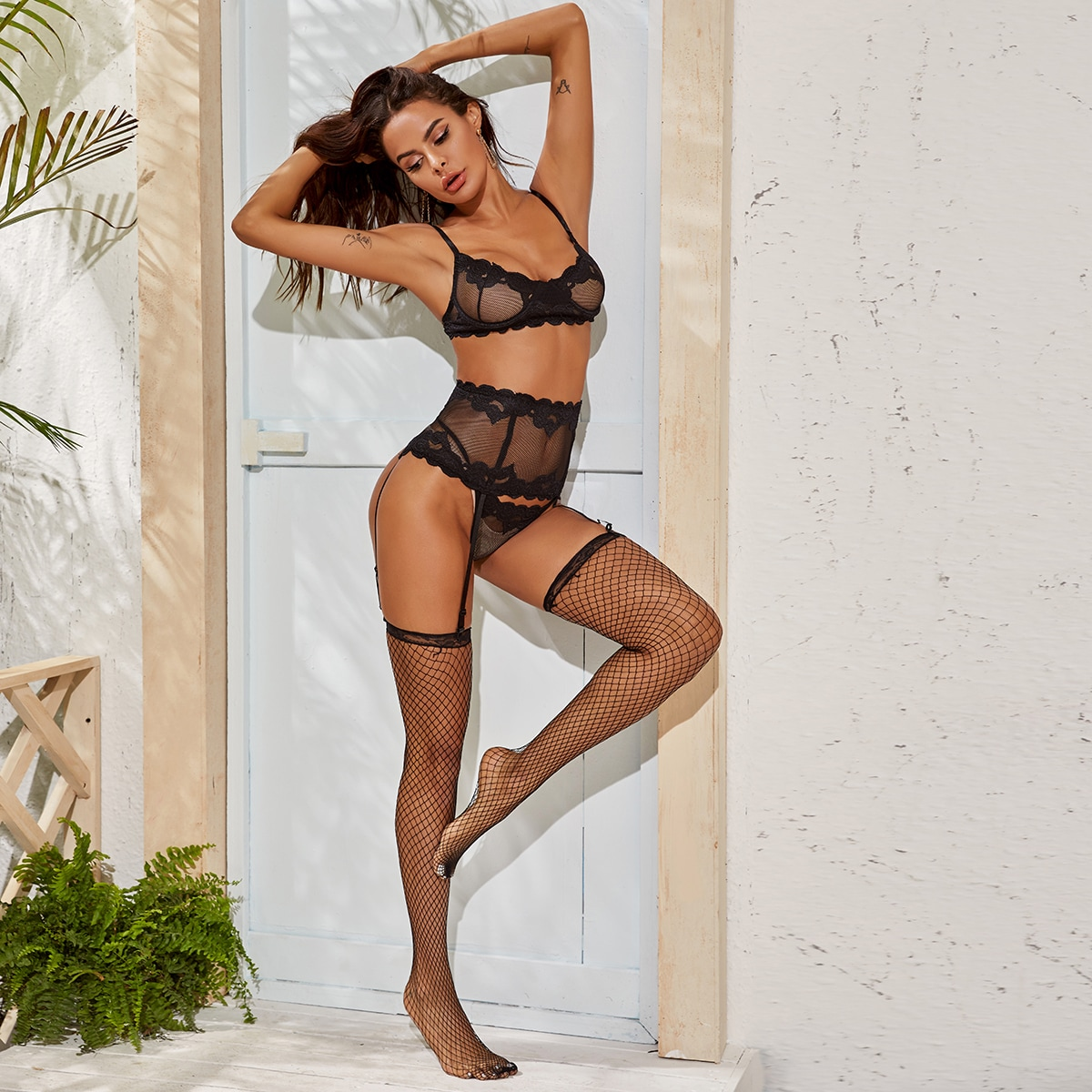 SHEIN / Contrast Lace Underwire Lingerie Set & Stockings