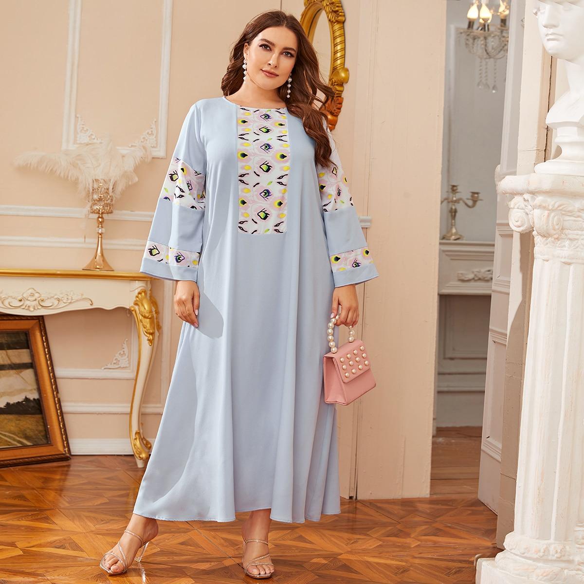 SHEIN / Große Größen - Kleid mit Stamm Muster