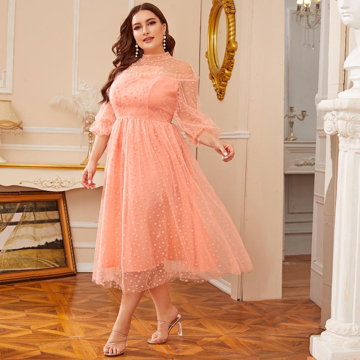 Платье размера плюс с сетчатой вставкой и прозрачной вставкой фото