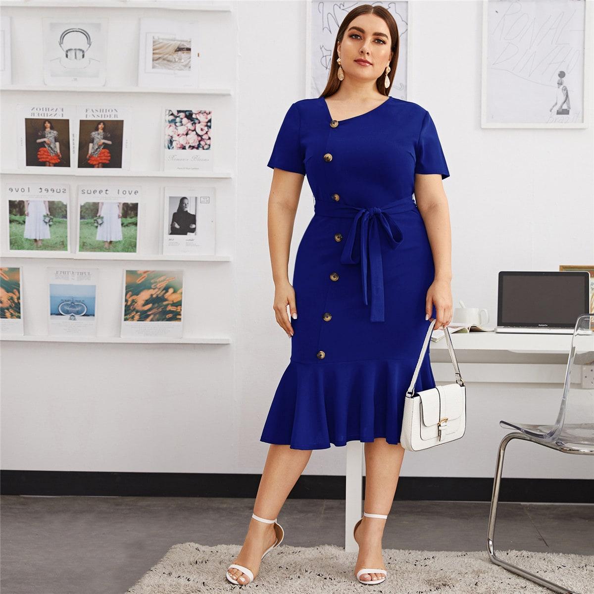 SHEIN / Große Größen - Kleid mit Knöpfen vorn, Meerjungfrausaum und Gürtel