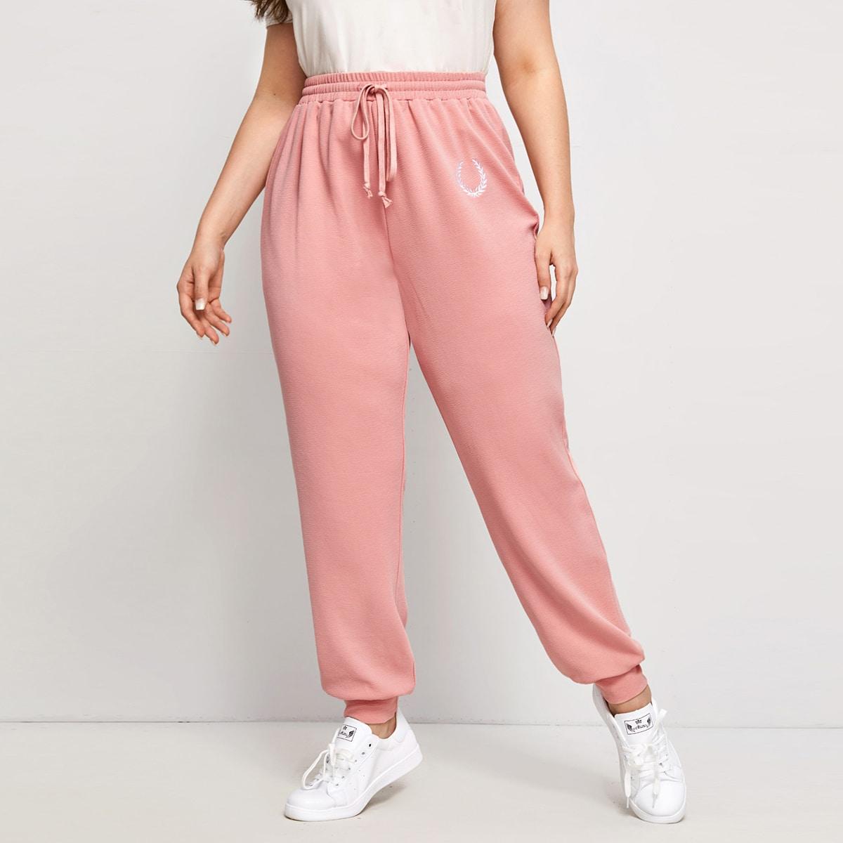Спортивные брюки размера плюс с вышивкой