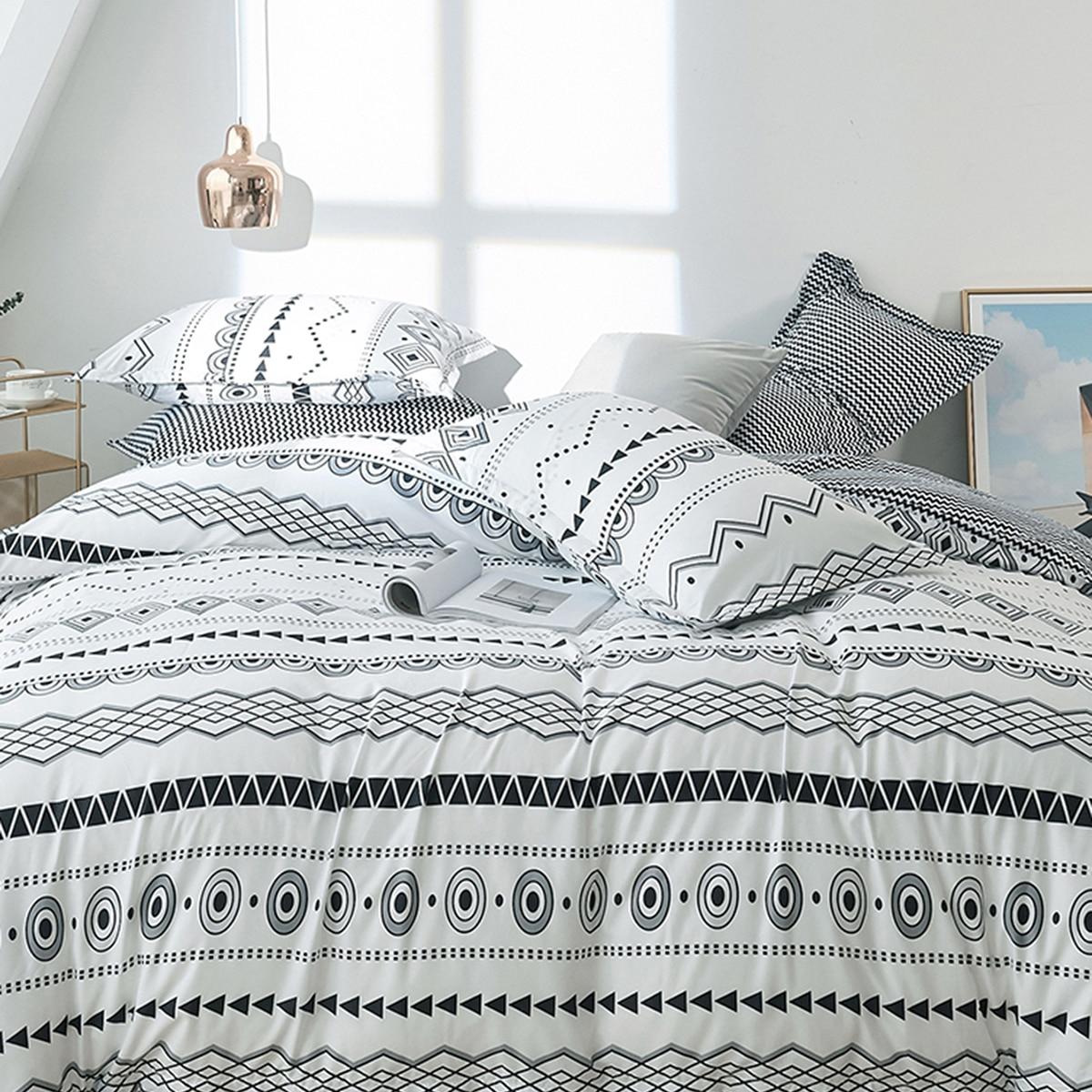 Комплект постельного белья с геометрическим узором фото