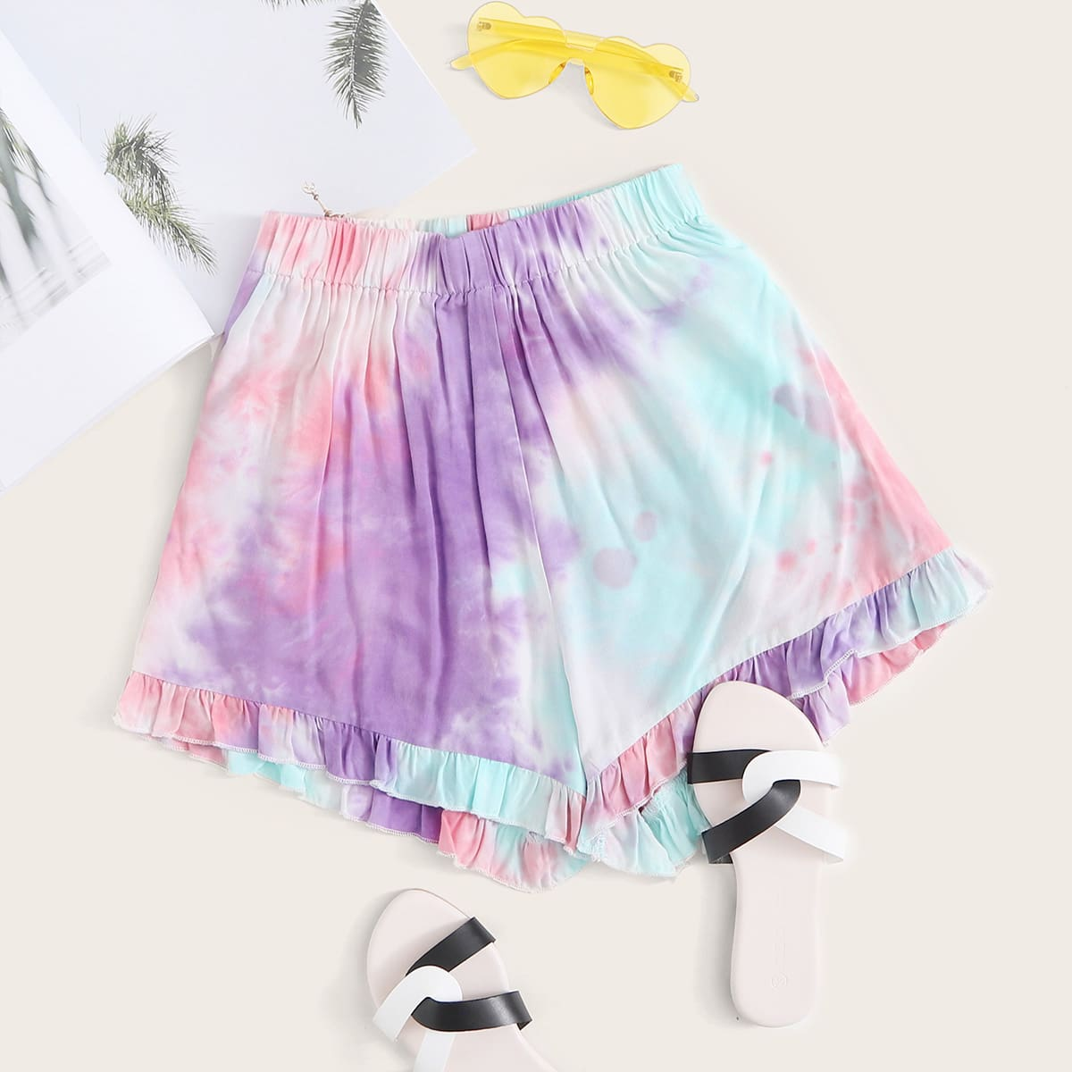 Разноцветные широкие шорты с оборками фото
