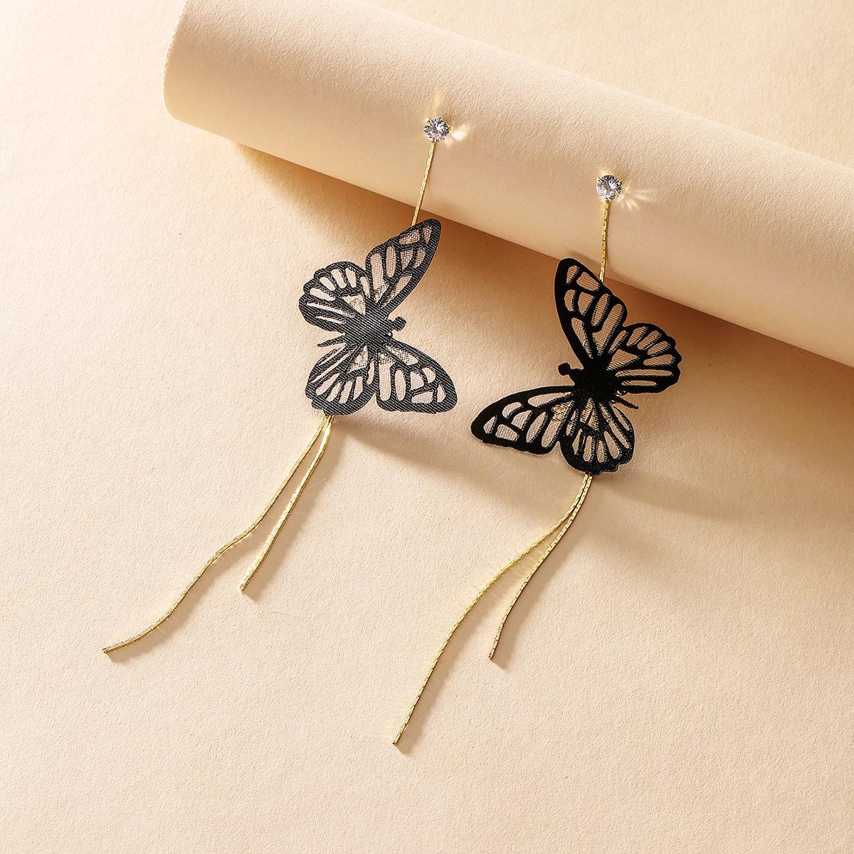 Серьги-подвесски с бабочкой фото