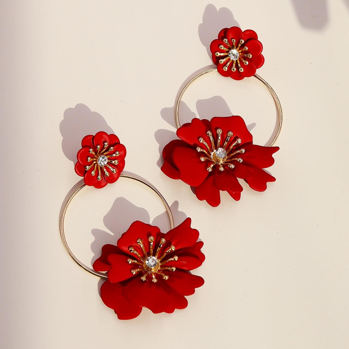 Серьги-подвески с цветочным декором фото