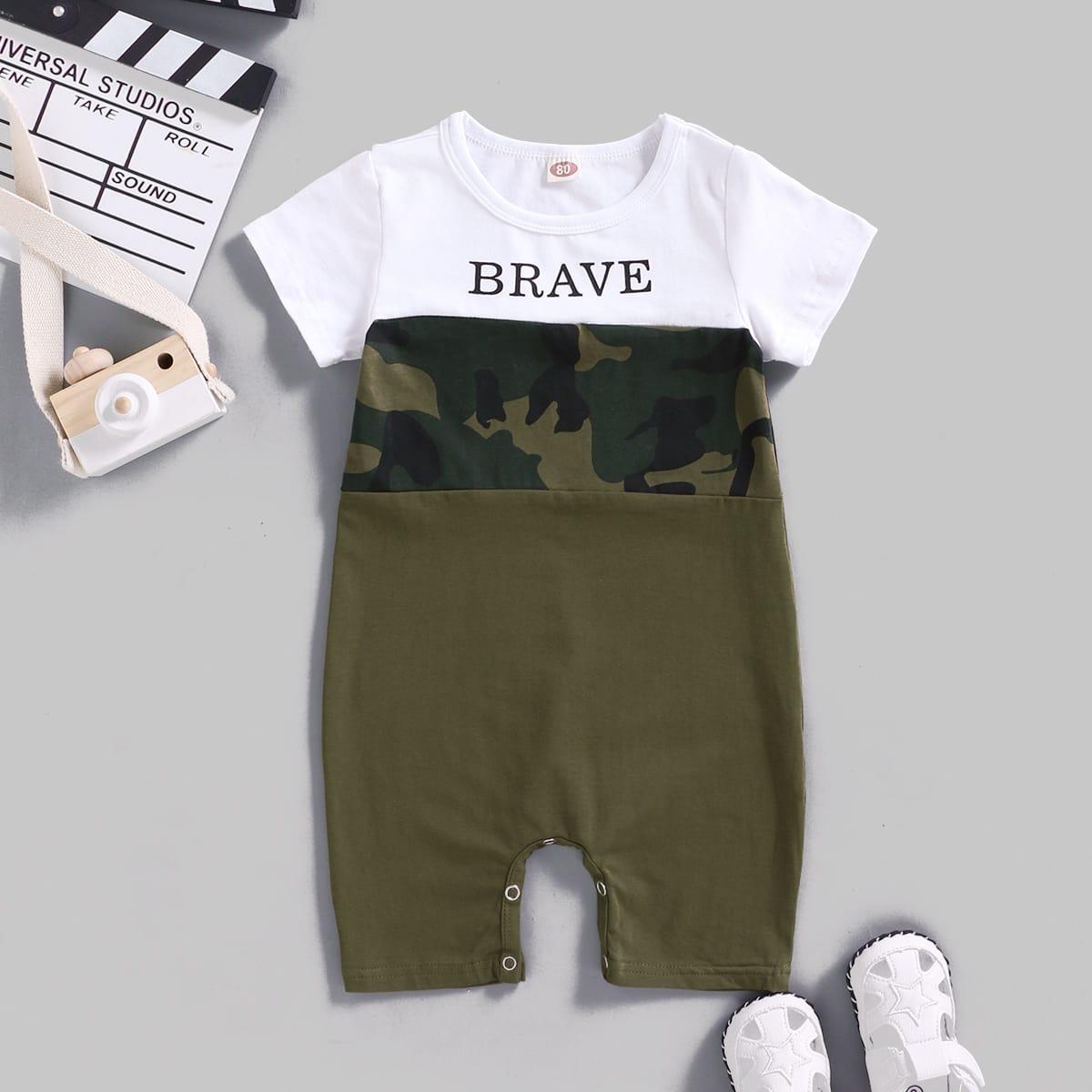 Комбинезон-футболка с текстовым и камуфляжным принтом для мальчиков от SHEIN