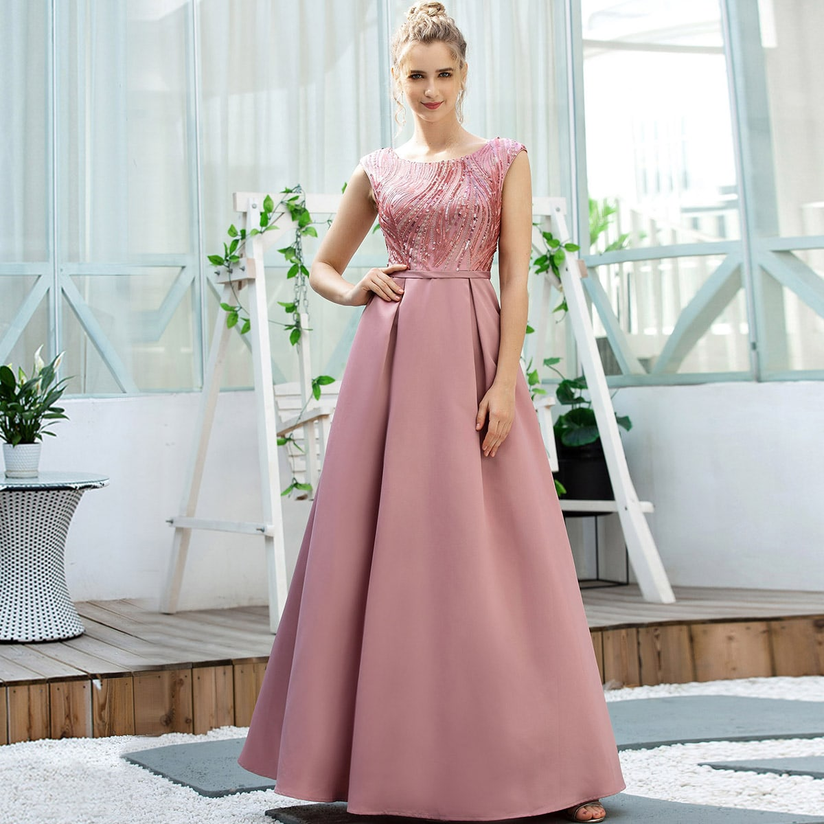 EverPretty Платье с v-образной спинкой и блестками фото