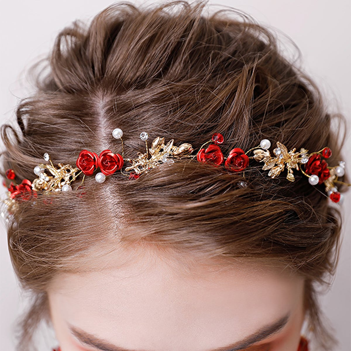Аксессуар для волос с декором розы фото