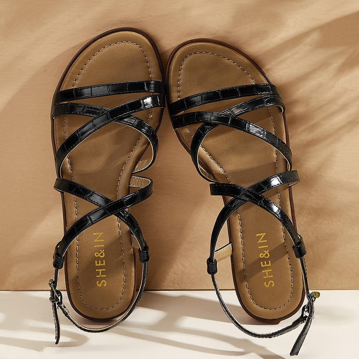 Рельефные сандалии фото