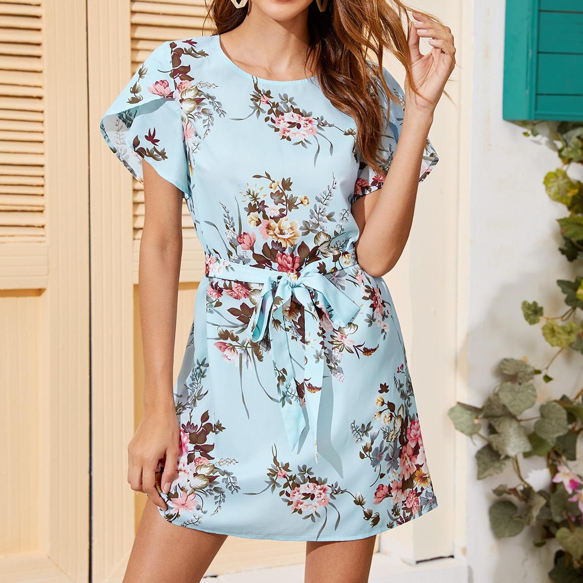 Платье с цветочным принтом и поясом фото