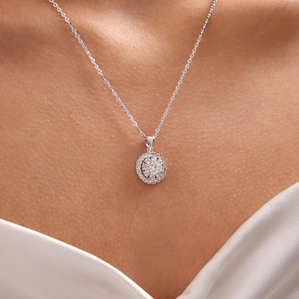 Ожерелье со стразами фото