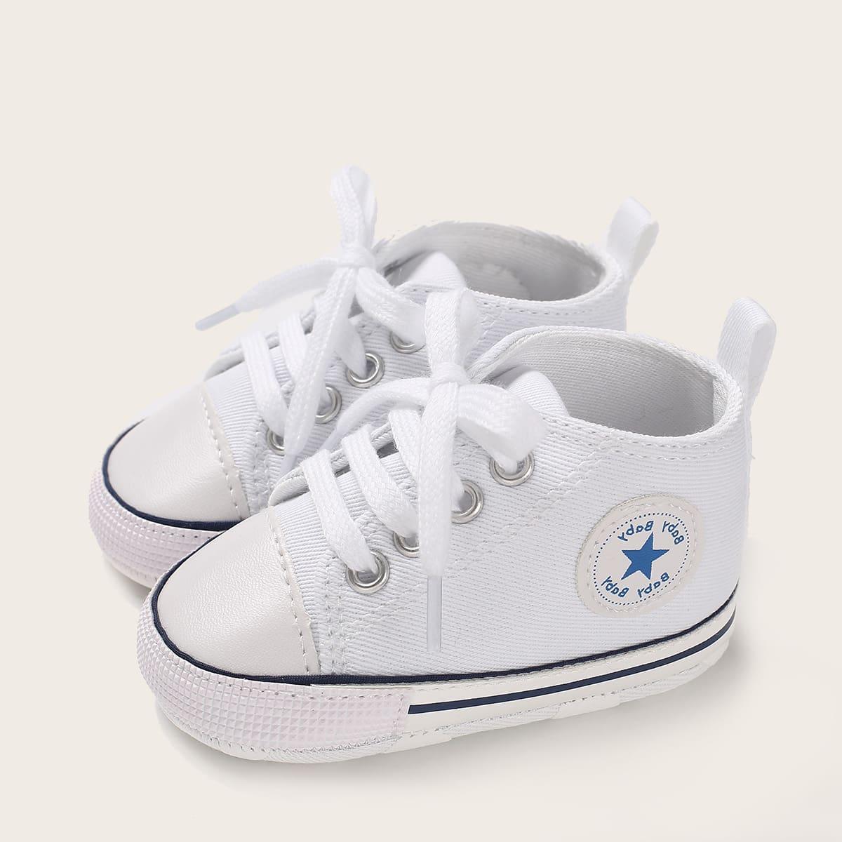 Кроссовки на шнуровках для мальчиков от SHEIN