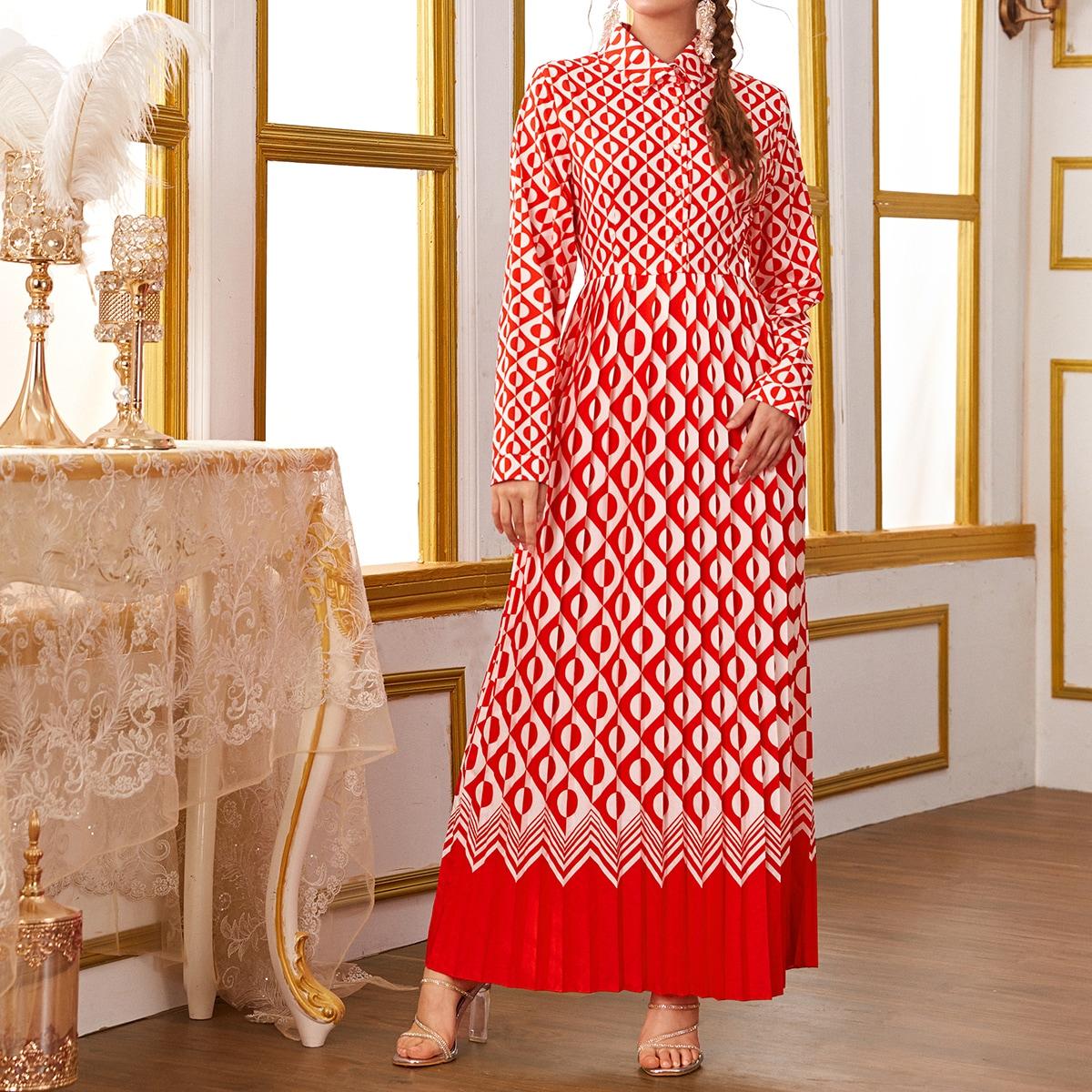 Плиссированное платье-рубашка с геометрическим принтом фото