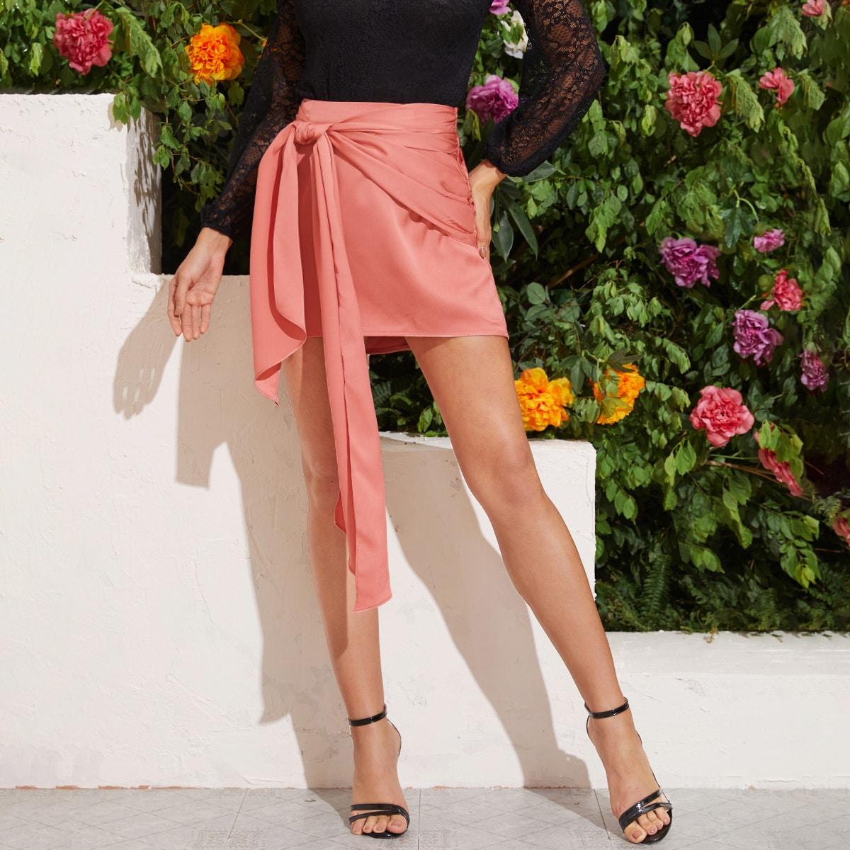 Атласная юбка с узлом фото