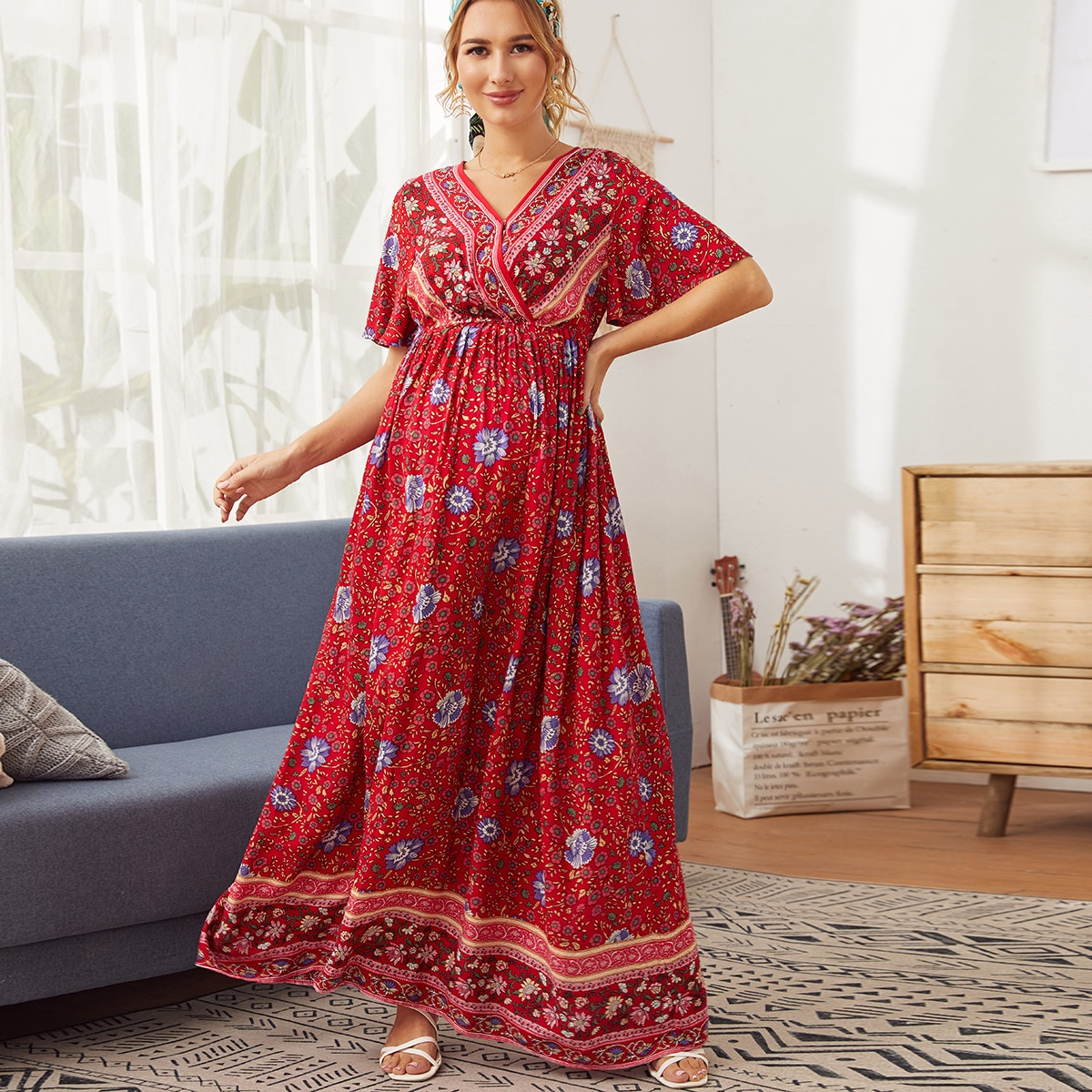 Maternity Макси платье с оригинальным принтом от SHEIN