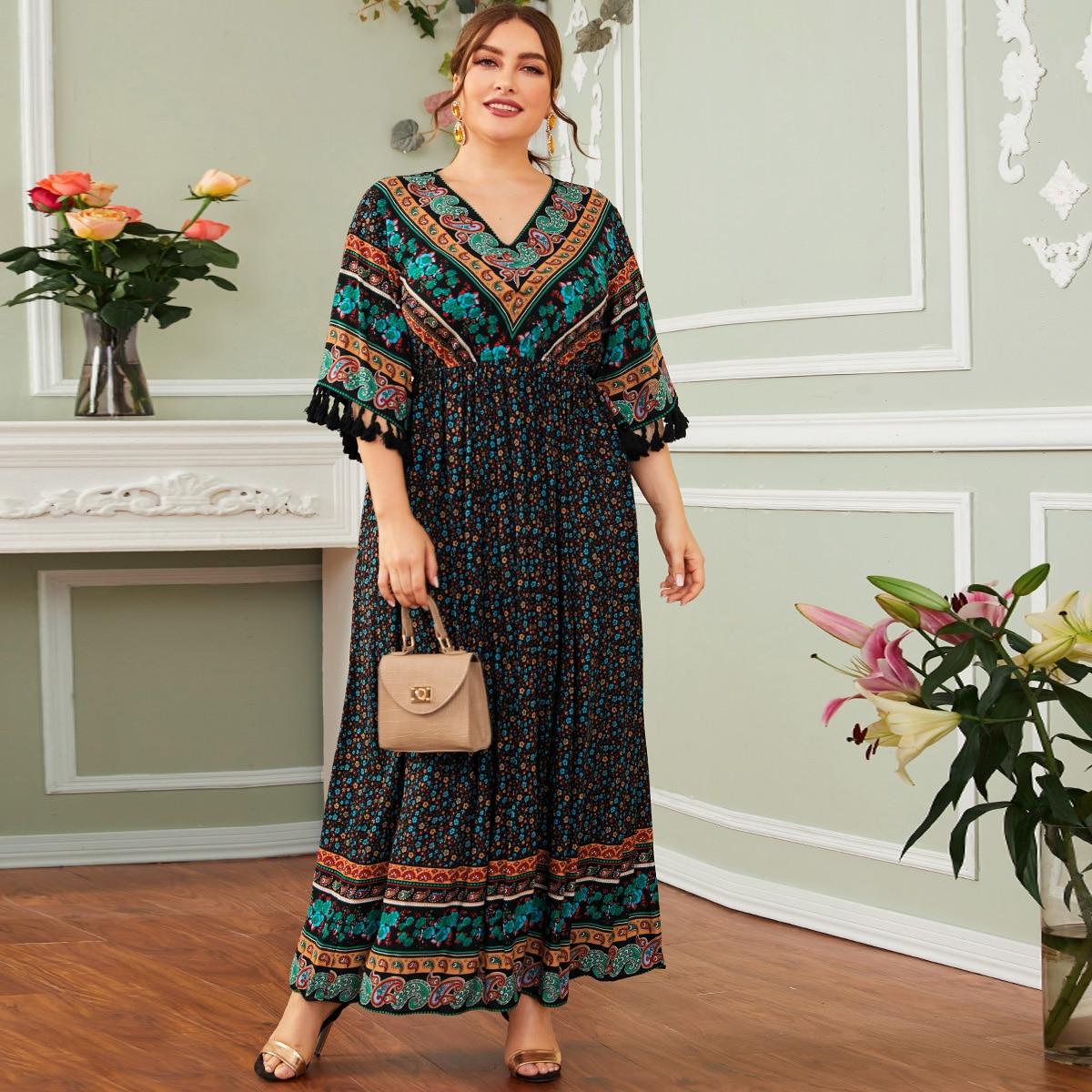 Цветочное платье размера плюс с бахромой