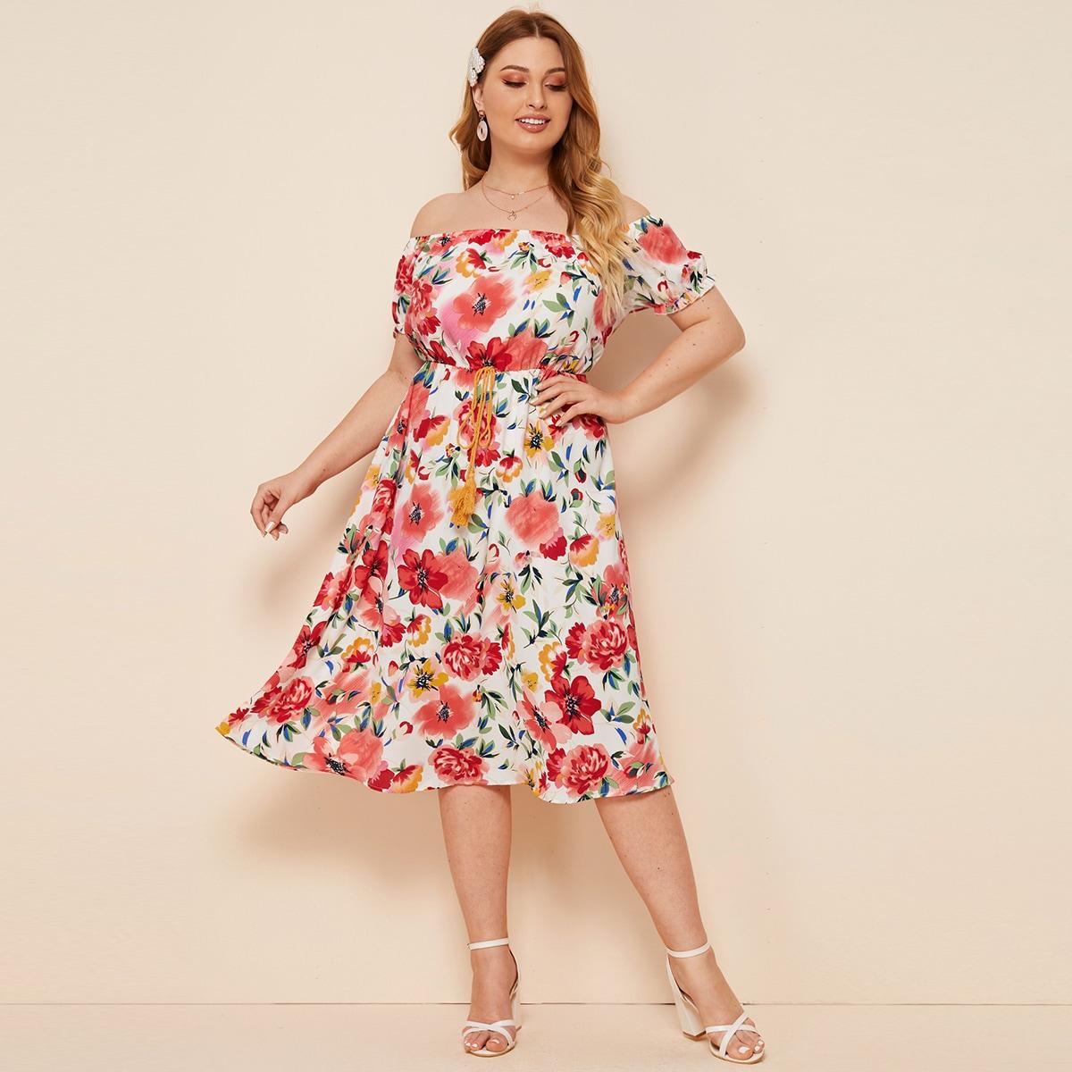 Платье размера плюс с открытыми плечами и цветочным принтом фото