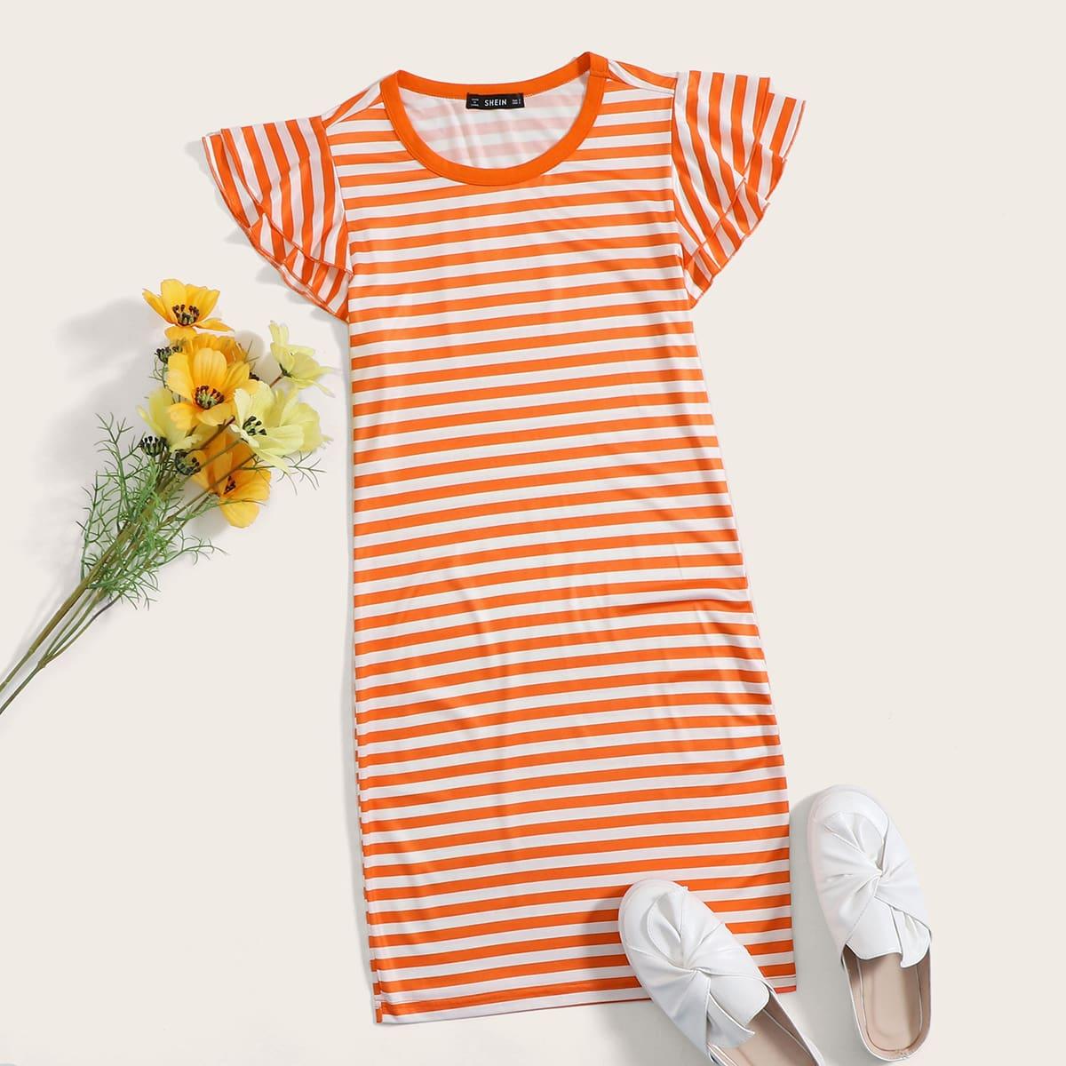 Платье в полоску с оборками фото