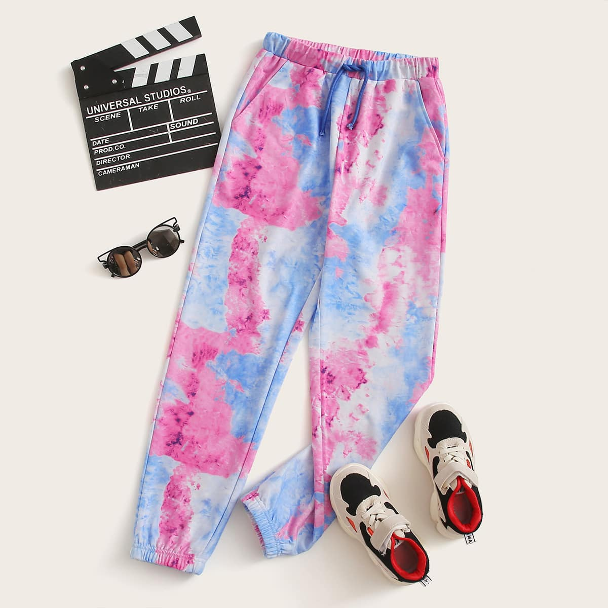 Разноцветные спортивные брюки на кулиске для мальчиков от SHEIN