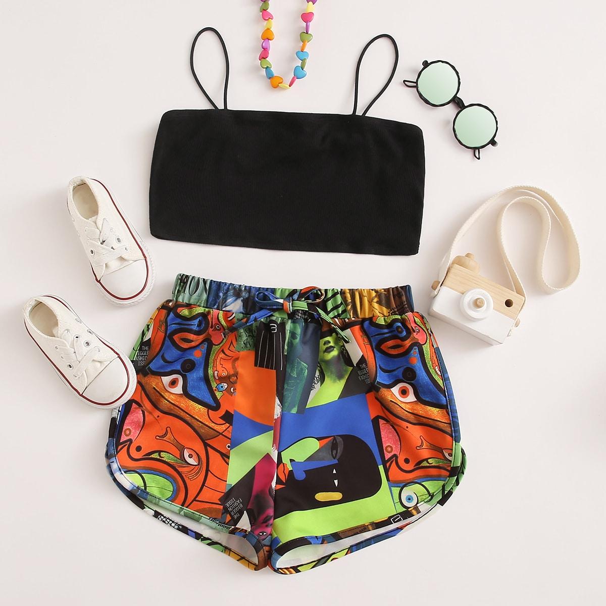 Трикотажный короткий топ и шорты с принтом для девочек фото
