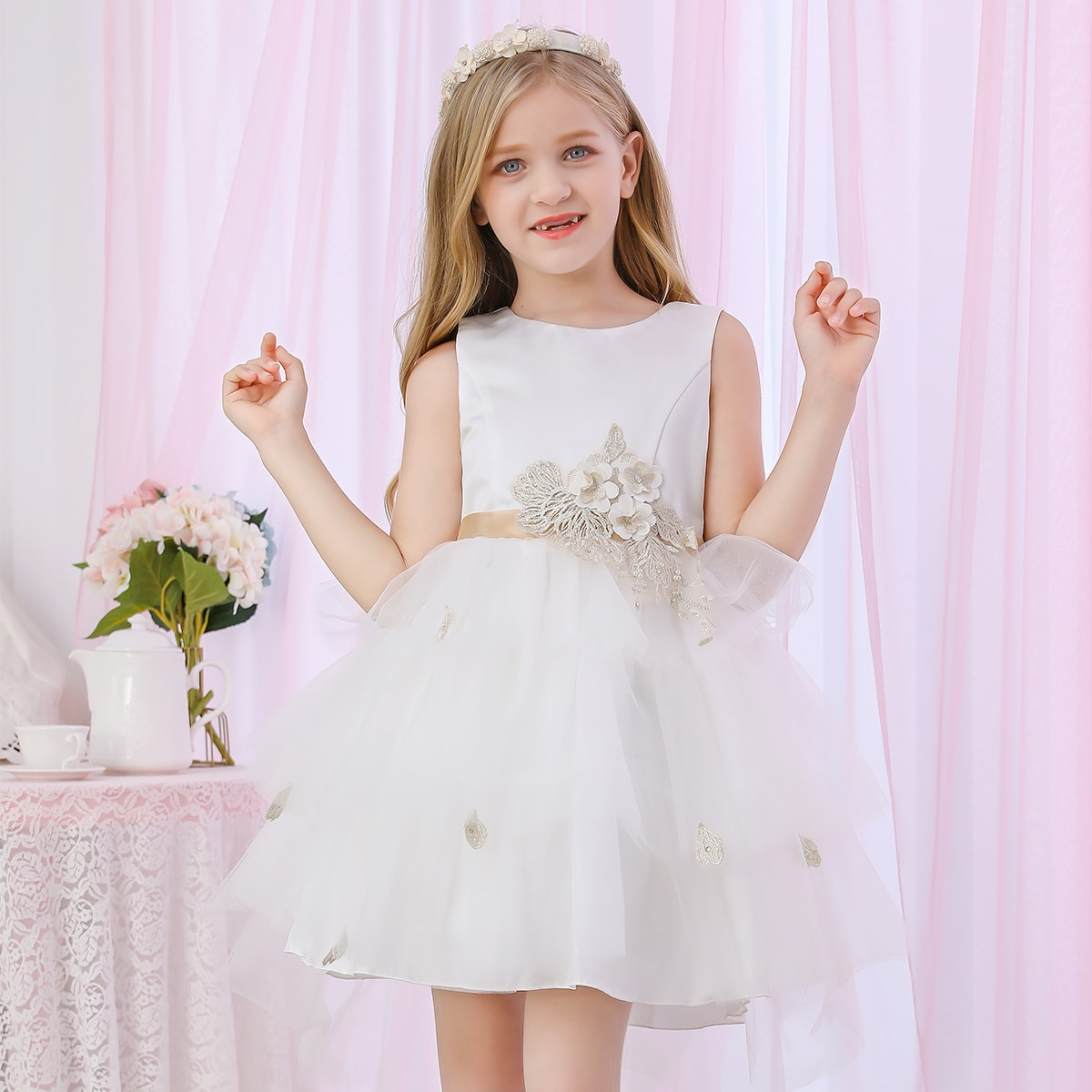 SHEIN / Mädchen Kleid mit Applikation, Schleife hinten und Netzstoff