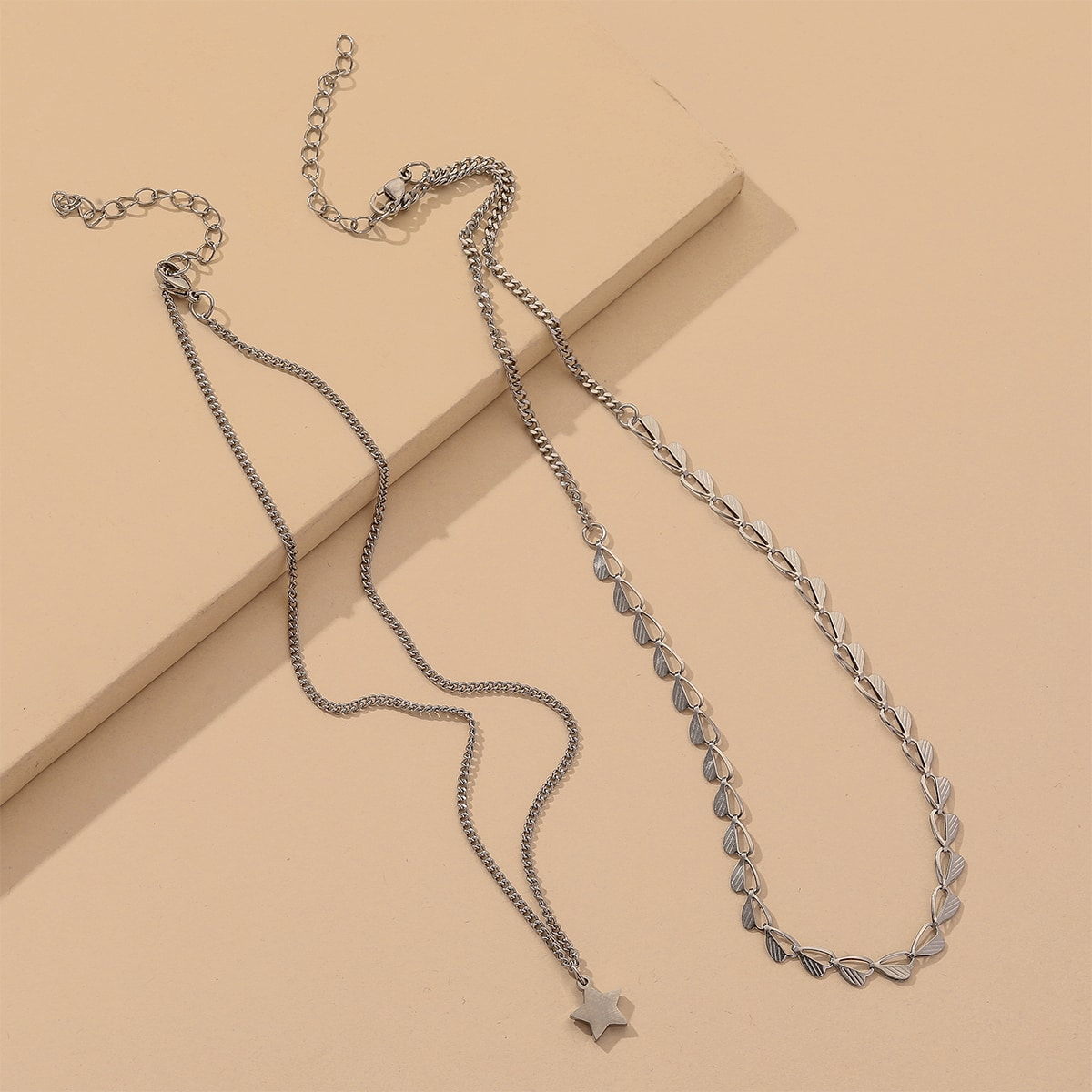 SHEIN / 2 Stücke Halskette mit Stern Anhänger