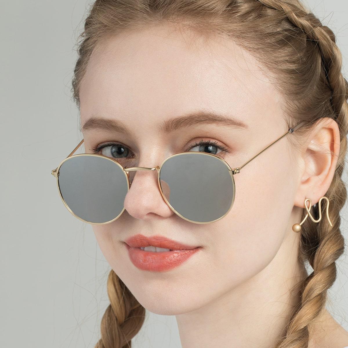Солнцезащитные очки с металлической рамкой