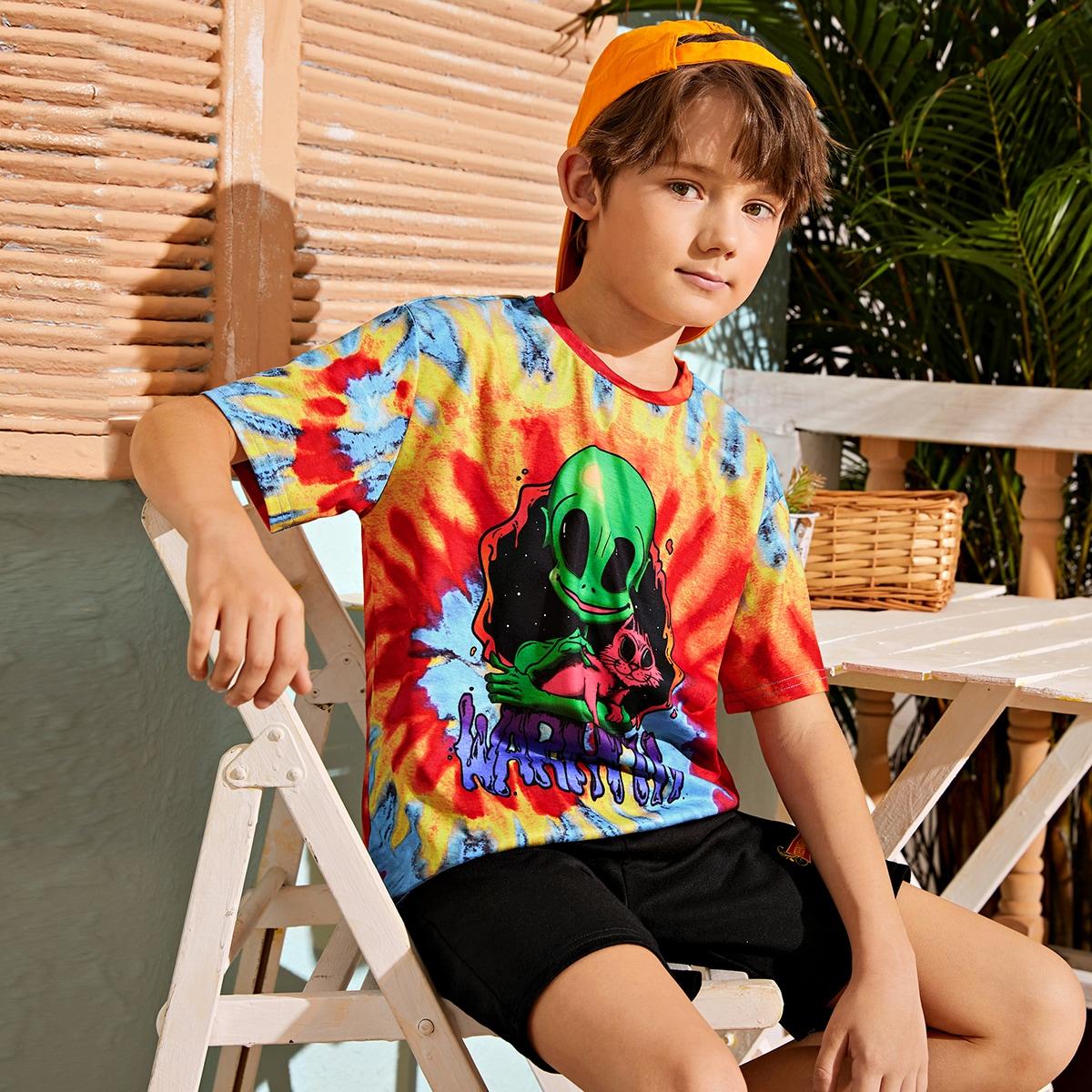 Разноцветная футболка с оригинальным принтом для мальчиков от SHEIN