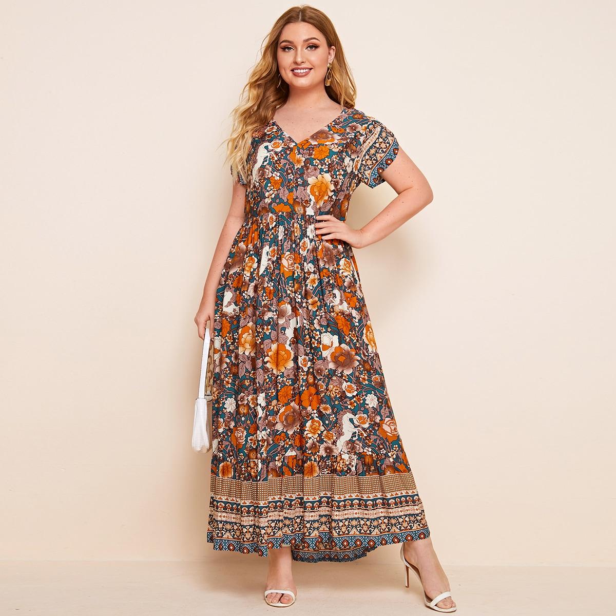 Макси платье размера плюс с оригинальным принтом