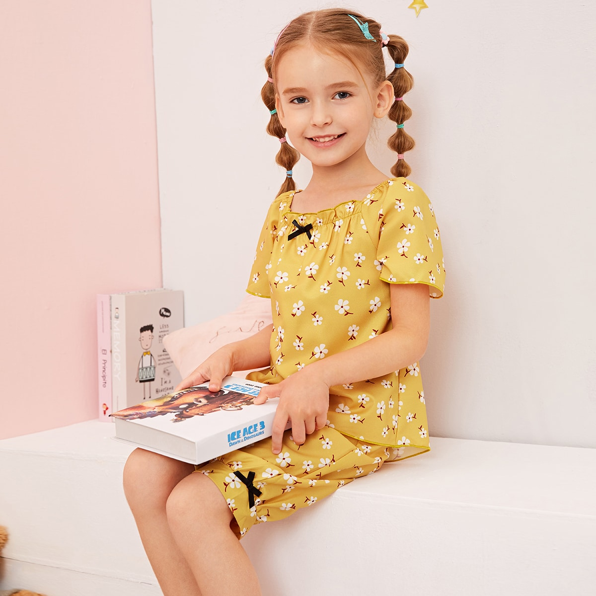 Цветочная пижама с бантом для девочек фото