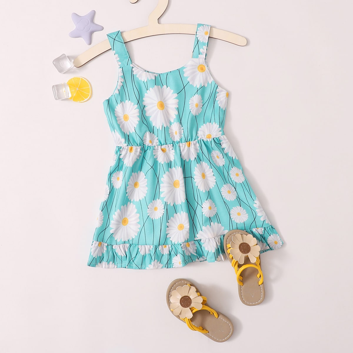 Цветочное платье с оборками для девочек фото