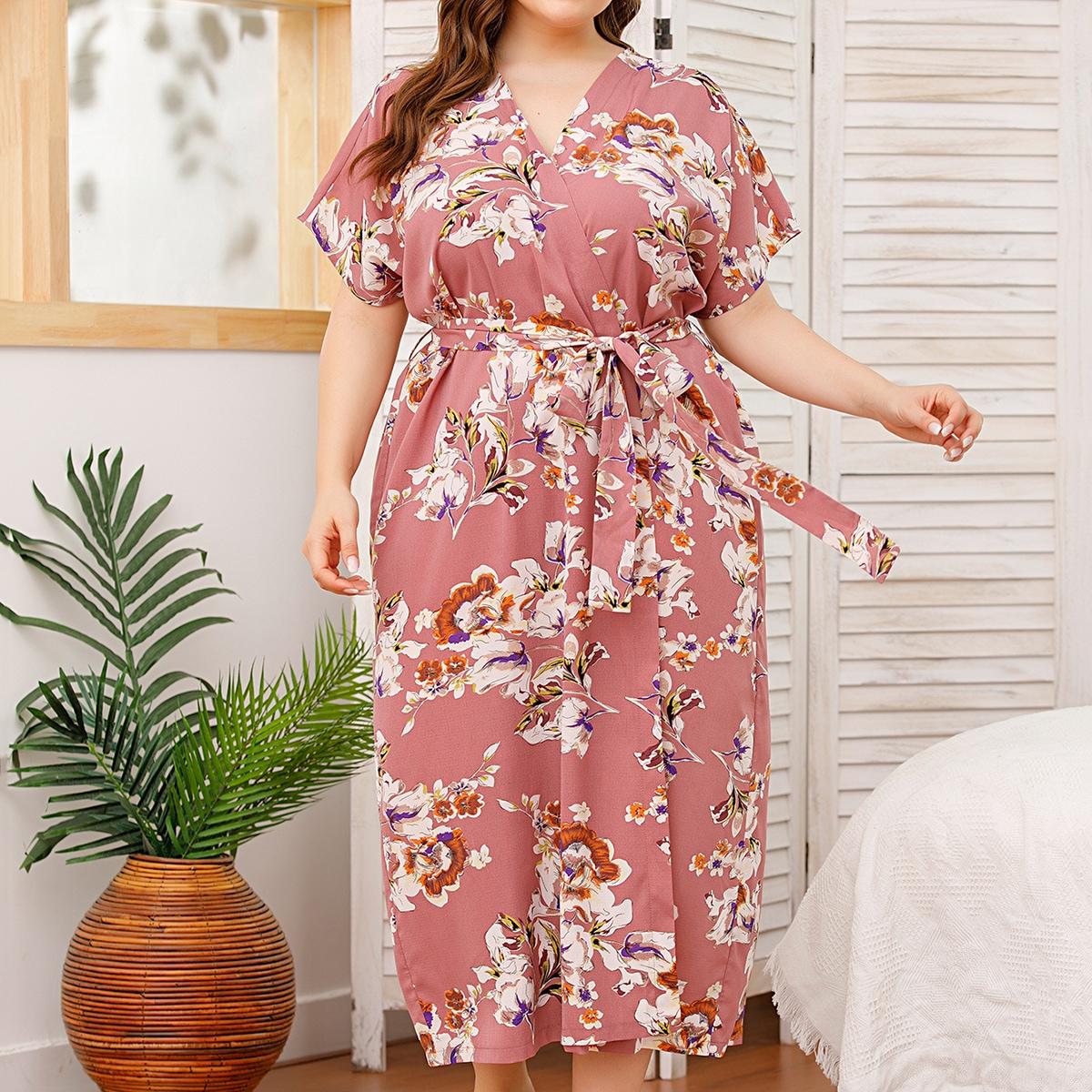 Длинный халат размера плюс с поясом и цветочным принтом от SHEIN