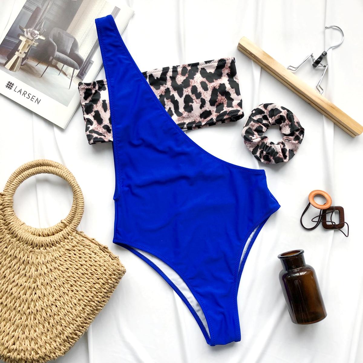Леопардовый топ бикини и слитный купальник и резинка для волос от SHEIN