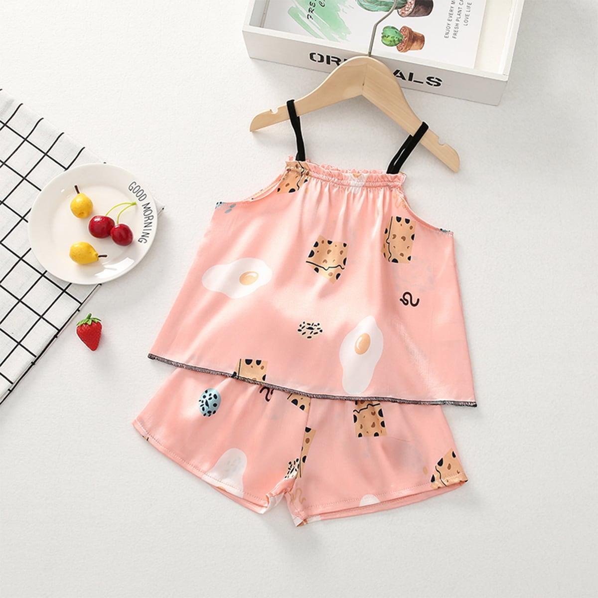 Атласная пижама на бретелях с принтом для девочек фото