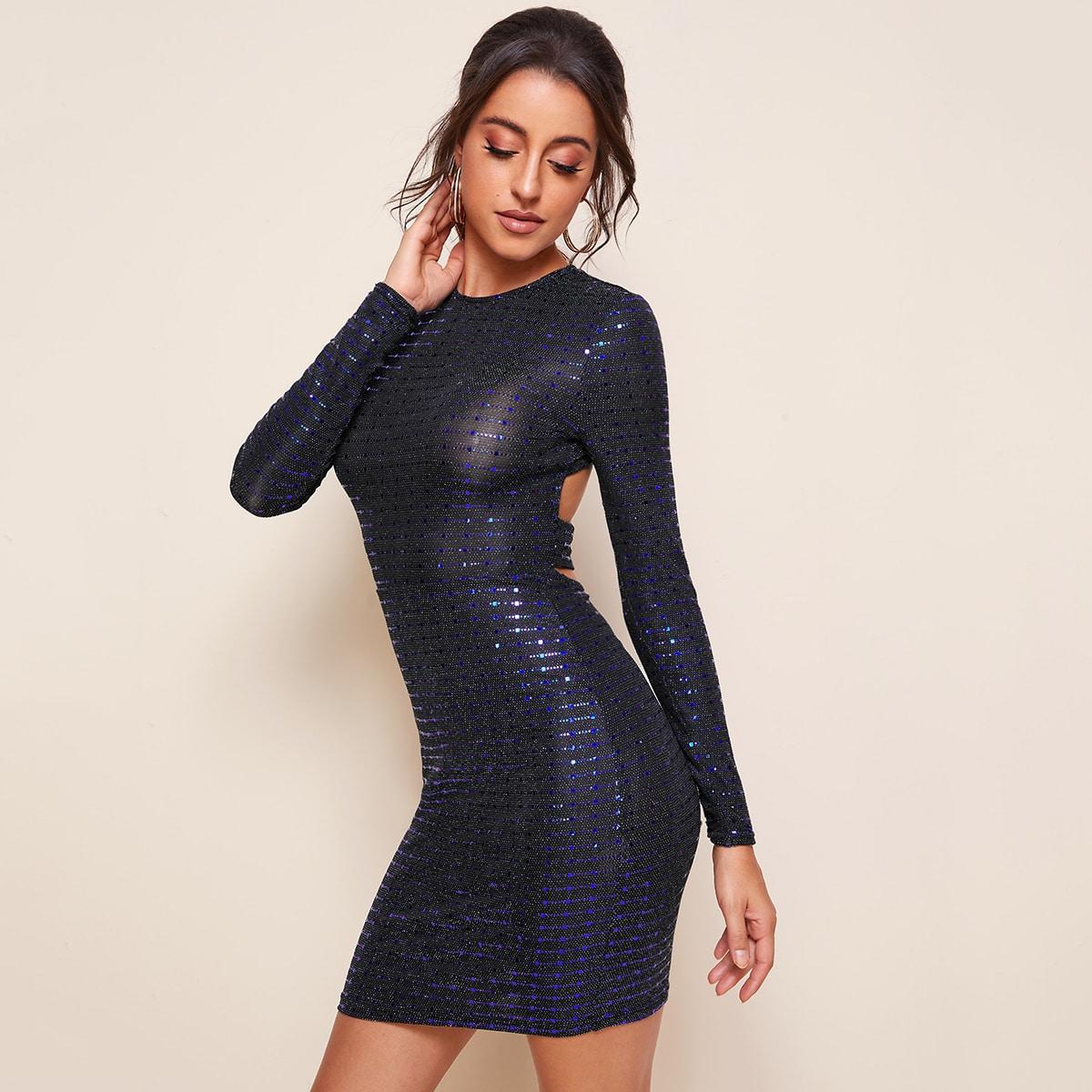 Блестящее облегающее платье с открытой спиной фото