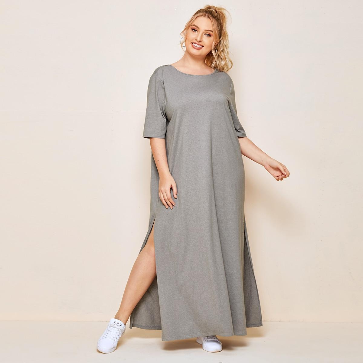 Платье-футболка размера плюс с разрезом и открытой спиной фото