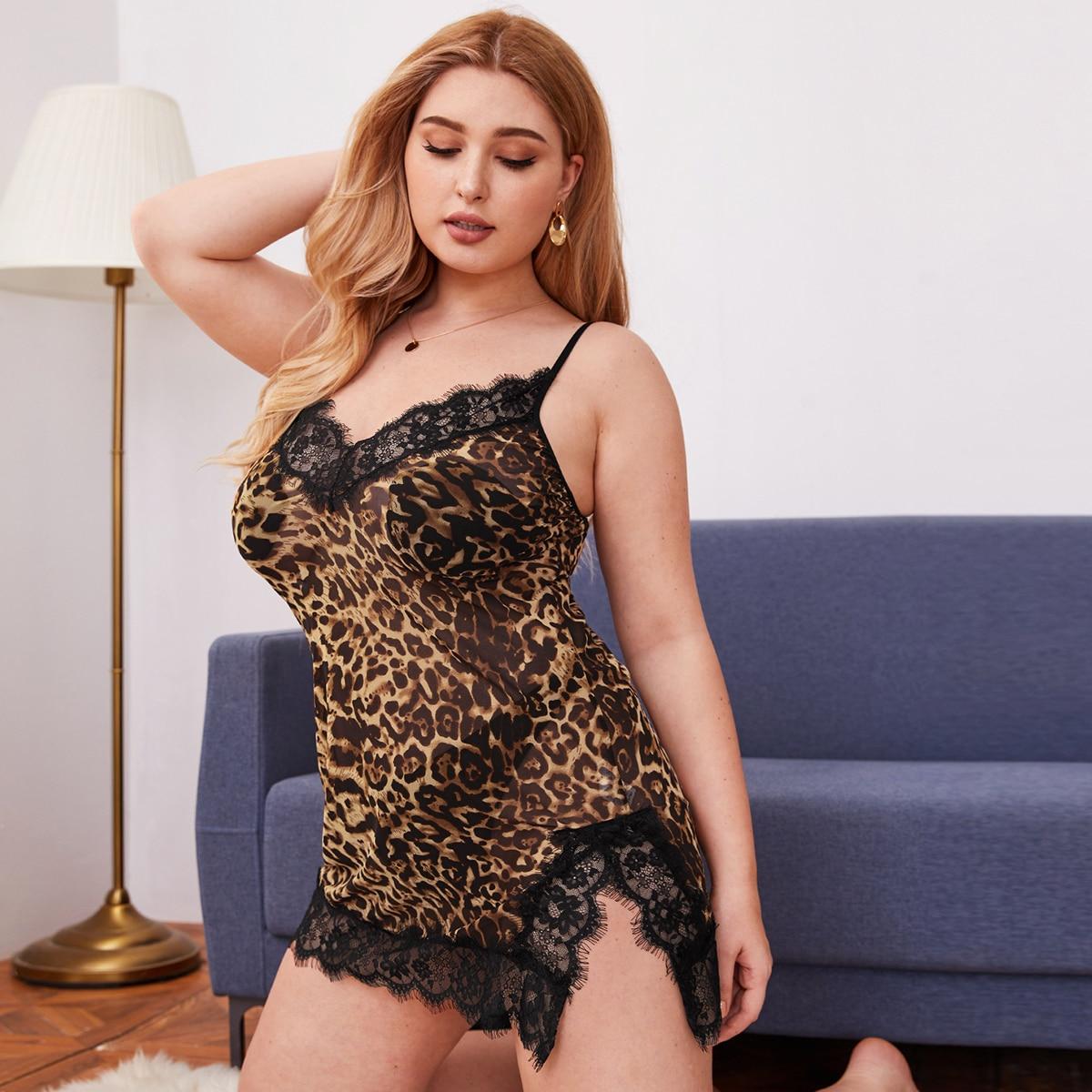 Леопардовое ночное платье и стринги размера плюс фото