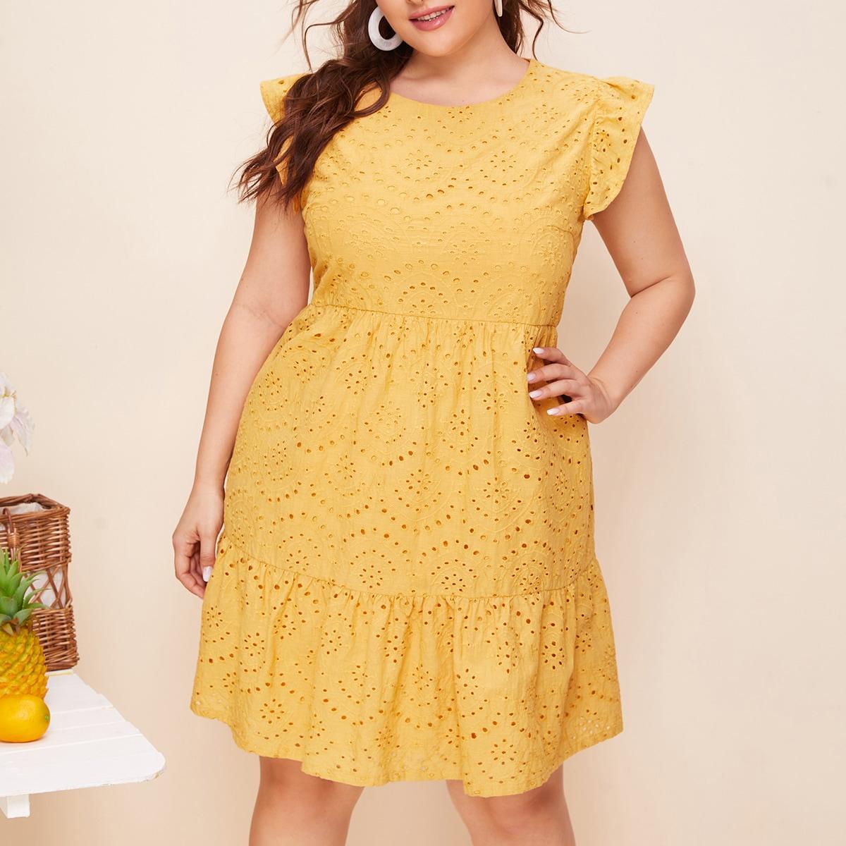 Платье размера плюс с оборками фото