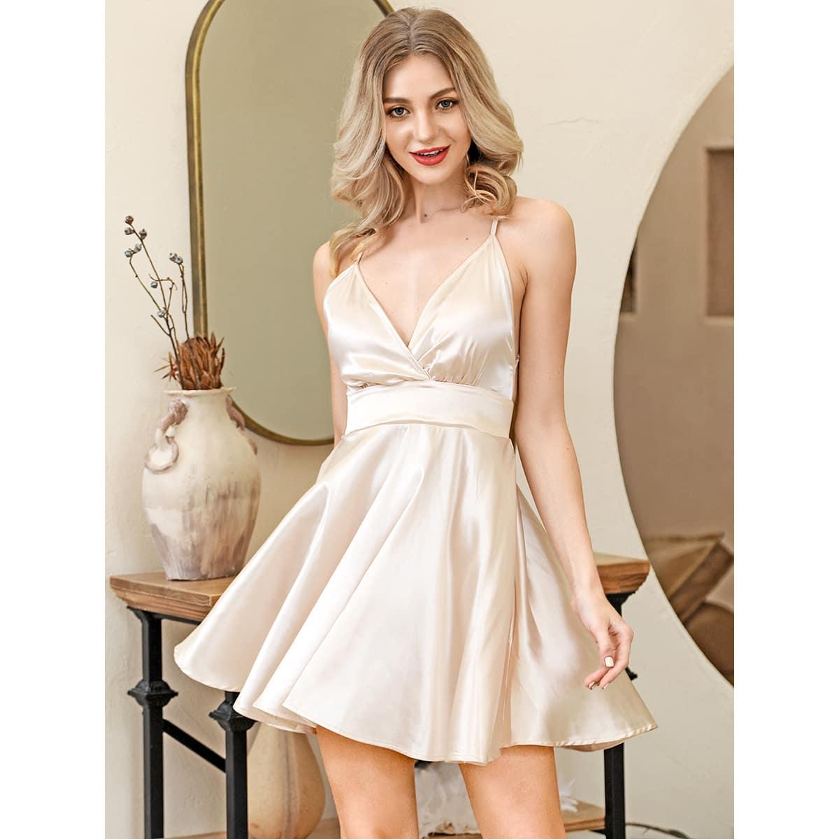 HouseOfChic Атласное платье с узлом сзади