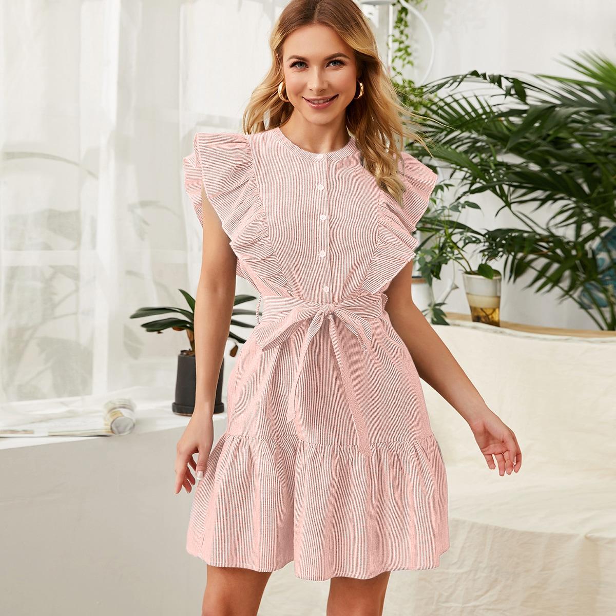 Платье в полоску с пуговицами и поясом фото