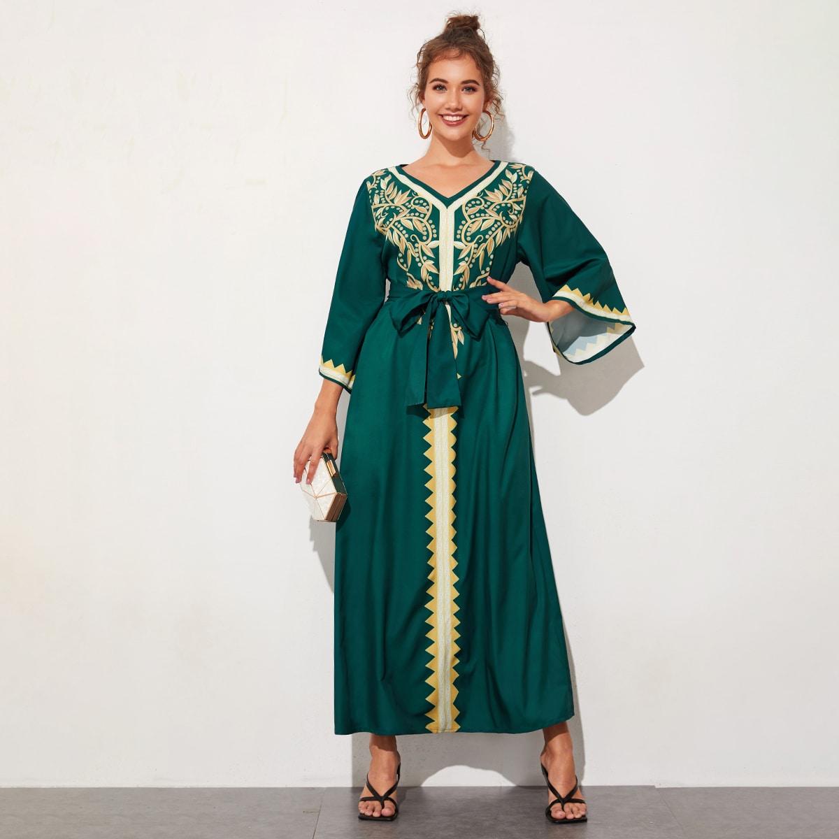 Платье с поясом, рукавом колокол, племенным принтом и v-образным вырезом фото